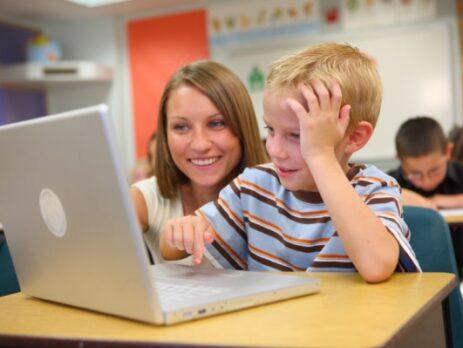 رها کردن فرزندان در استفاده از فضای مجازی